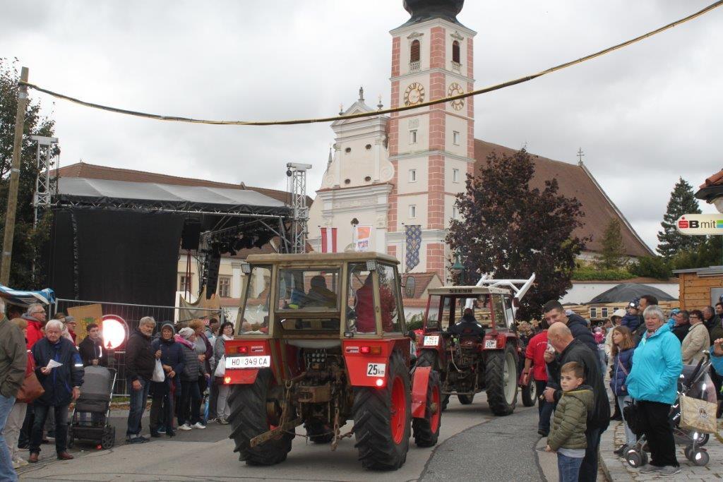 Oldtimerumzug-2019-c-ARGE-Erdäpfelfest-Geras-100