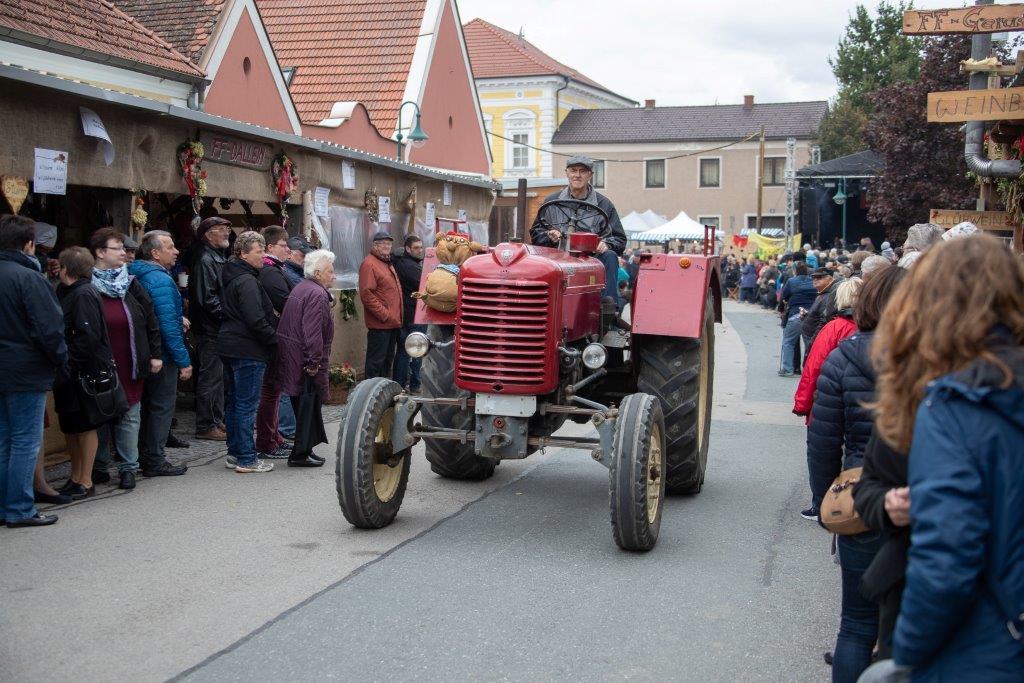 Oldtimerumzug-2019-c-ARGE-Erdäpfelfest-Geras-20