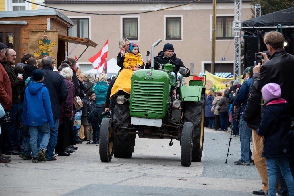 Oldtimerumzug-2019-c-ARGE-Erdäpfelfest-Geras-24