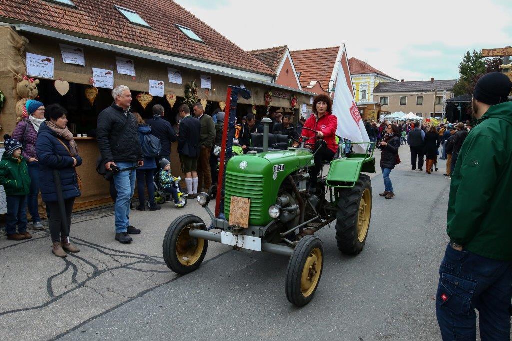 Oldtimerumzug-2019-c-ARGE-Erdäpfelfest-Geras-27