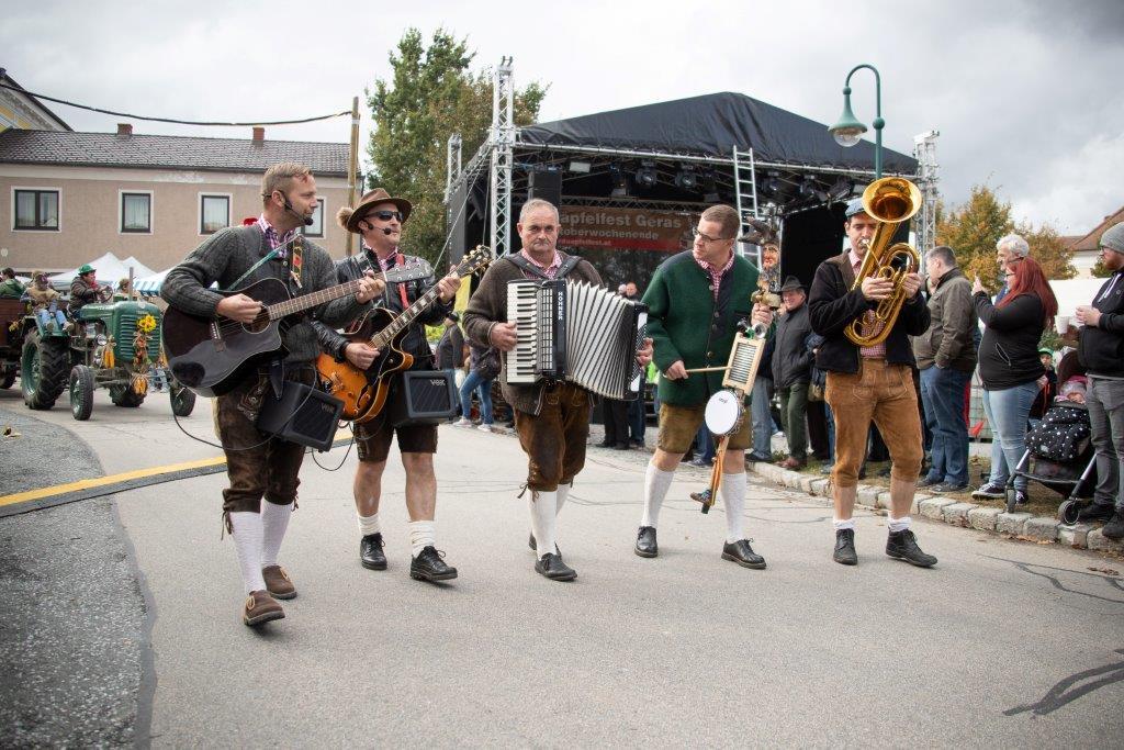 Oldtimerumzug-2019-c-ARGE-Erdäpfelfest-Geras-3