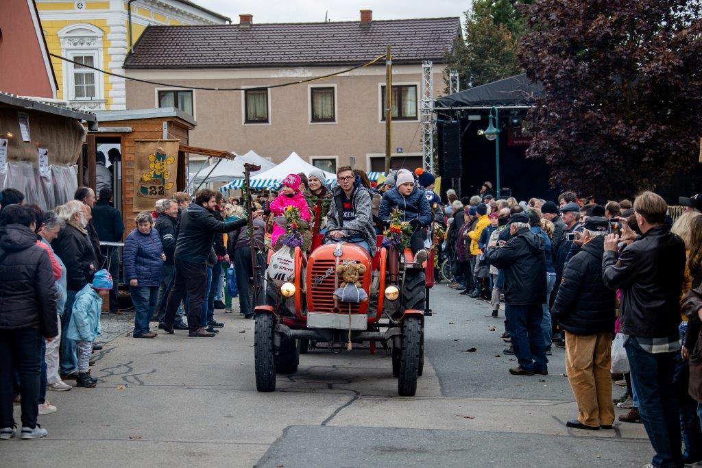 Oldtimerumzug-2019-c-ARGE-Erdäpfelfest-Geras-32