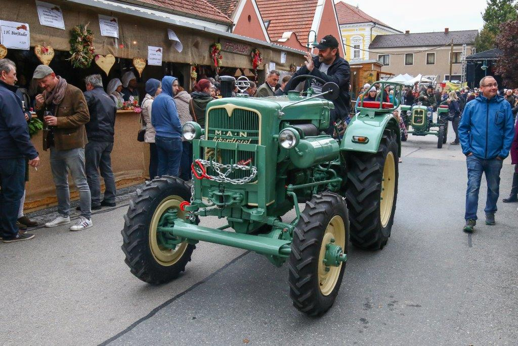 Oldtimerumzug-2019-c-ARGE-Erdäpfelfest-Geras-35