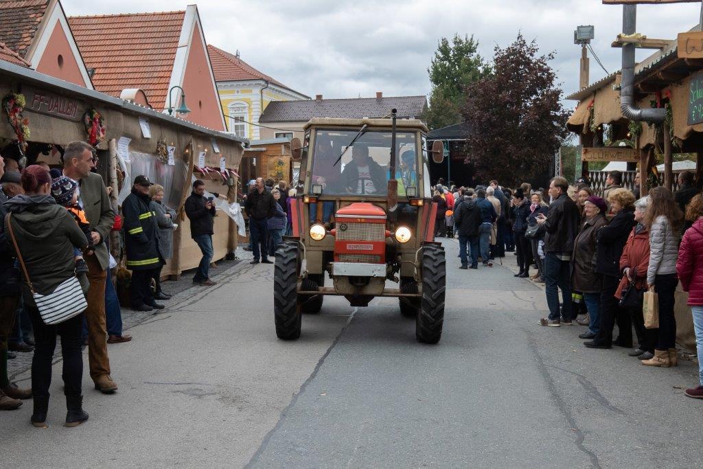 Oldtimerumzug-2019-c-ARGE-Erdäpfelfest-Geras-37