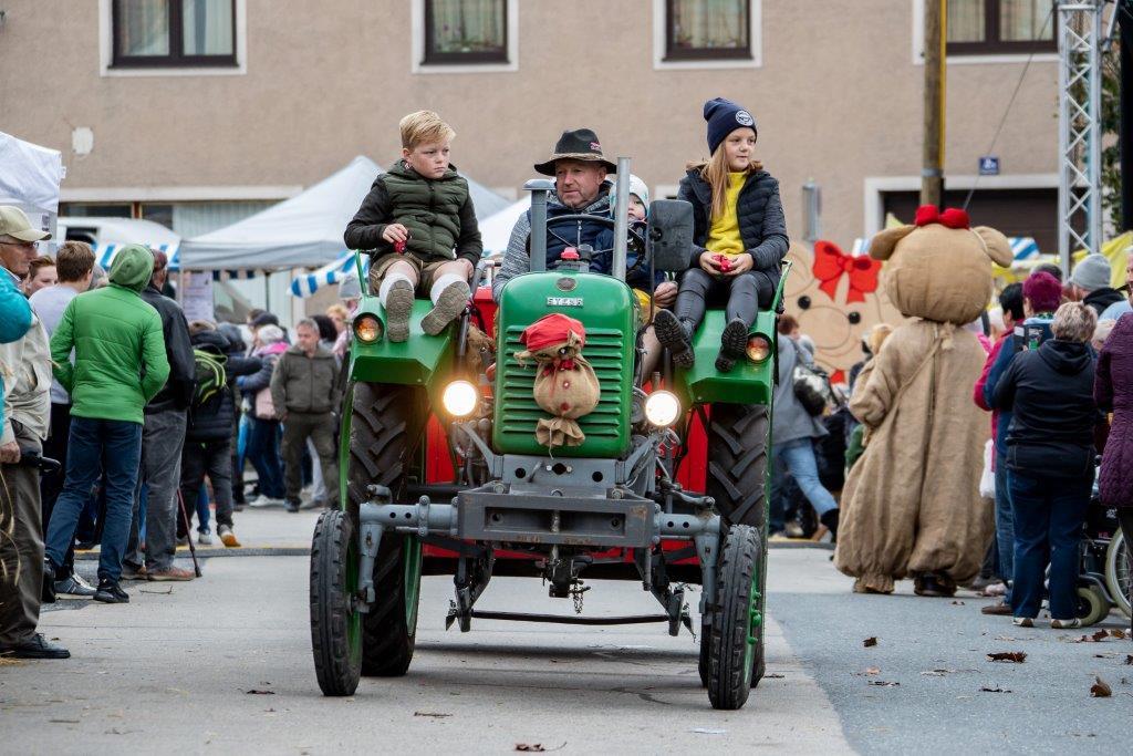 Oldtimerumzug-2019-c-ARGE-Erdäpfelfest-Geras-39