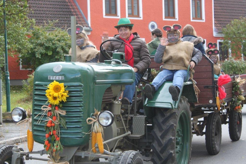 Oldtimerumzug-2019-c-ARGE-Erdäpfelfest-Geras-48