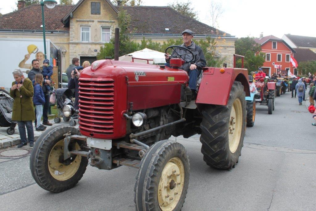 Oldtimerumzug-2019-c-ARGE-Erdäpfelfest-Geras-82