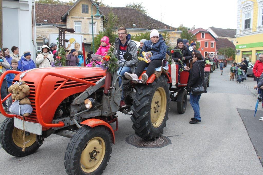 Oldtimerumzug-2019-c-ARGE-Erdäpfelfest-Geras-90