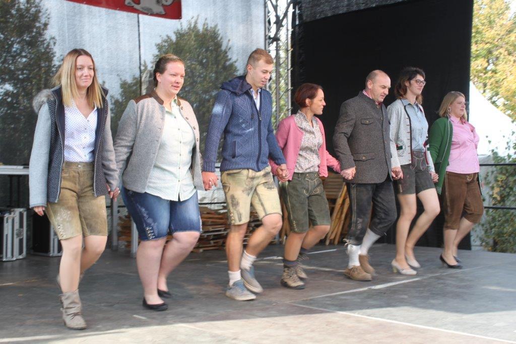 Trachtenmodenschau-2019-c-ARGE-Erdäpfelfest-Geras-10