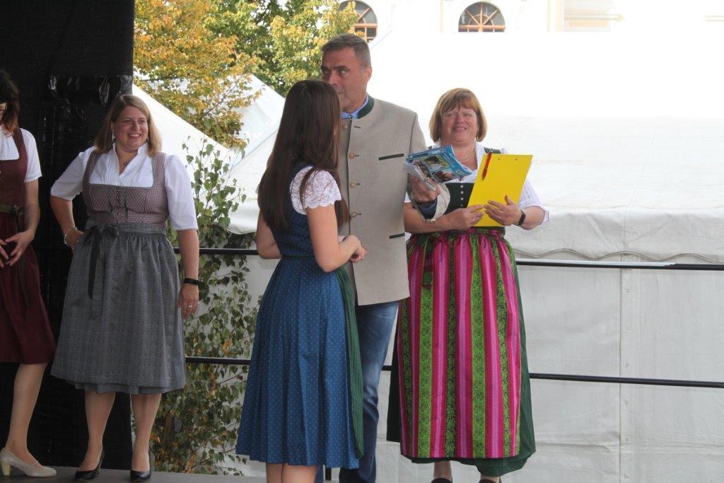 Trachtenmodenschau-2019-c-ARGE-Erdäpfelfest-Geras-104