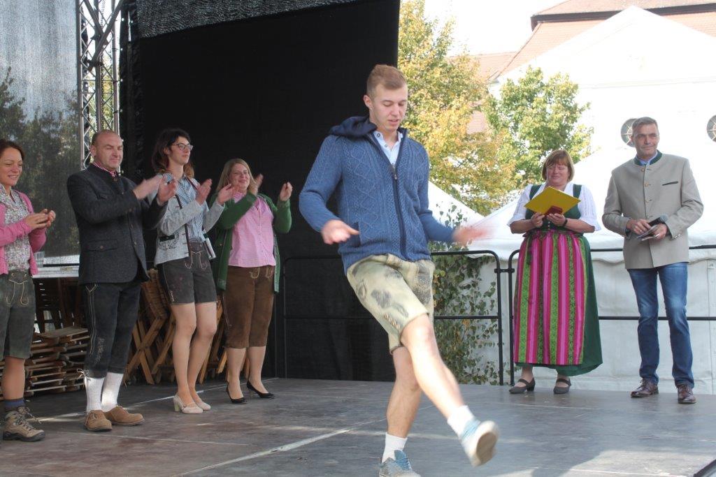 Trachtenmodenschau-2019-c-ARGE-Erdäpfelfest-Geras-11