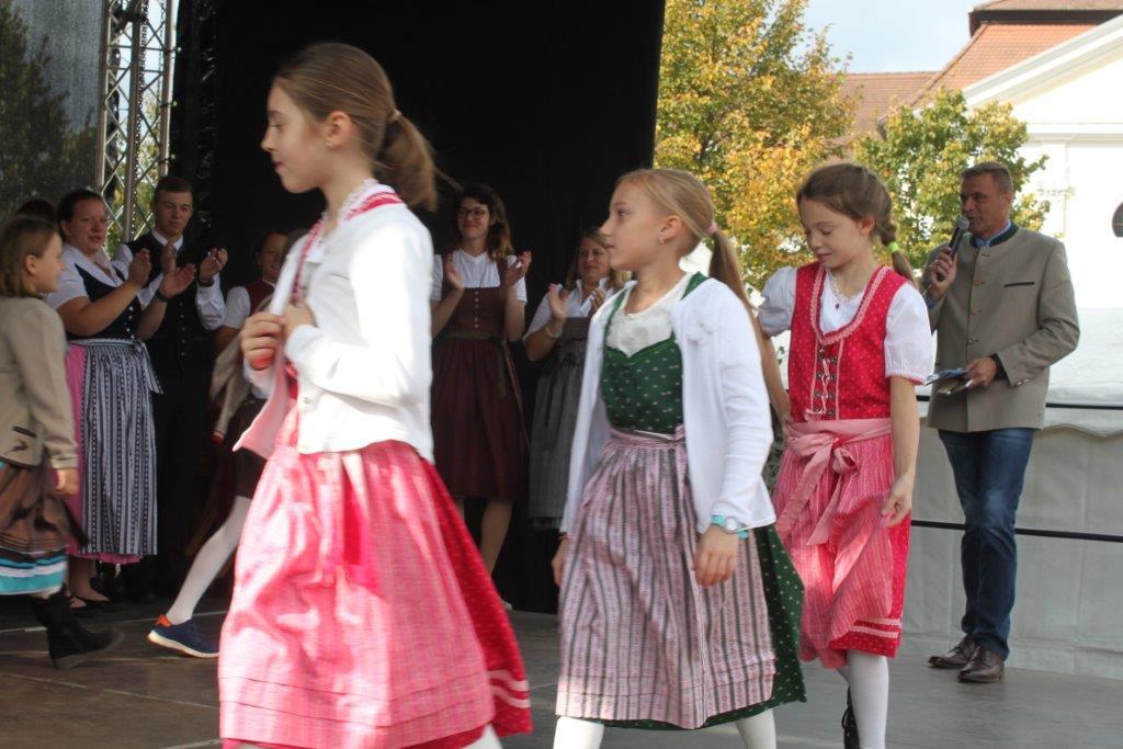 Trachtenmodenschau-2019-c-ARGE-Erdäpfelfest-Geras-114