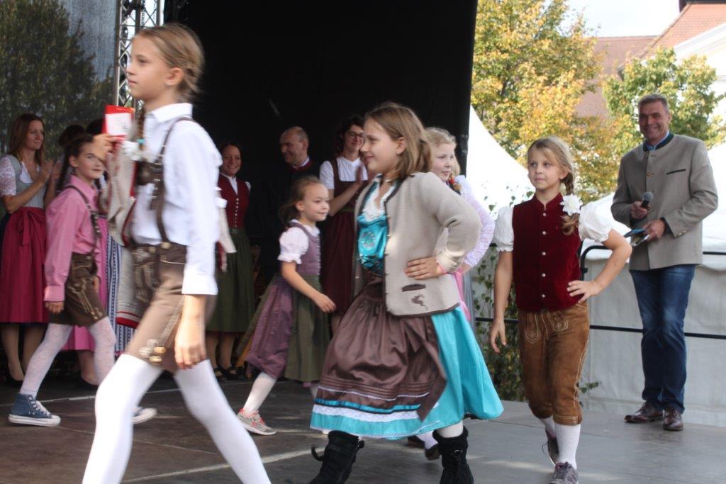 Trachtenmodenschau-2019-c-ARGE-Erdäpfelfest-Geras-115
