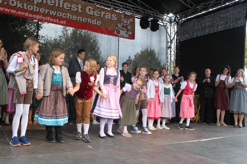 Trachtenmodenschau-2019-c-ARGE-Erdäpfelfest-Geras-117