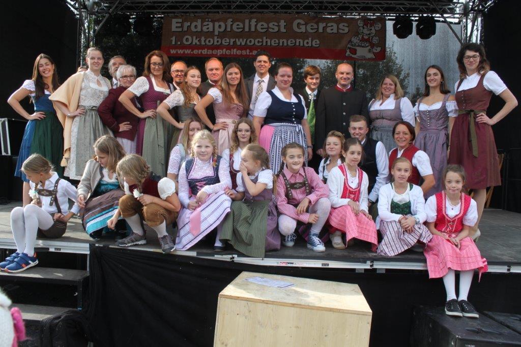 Trachtenmodenschau-2019-c-ARGE-Erdäpfelfest-Geras-123