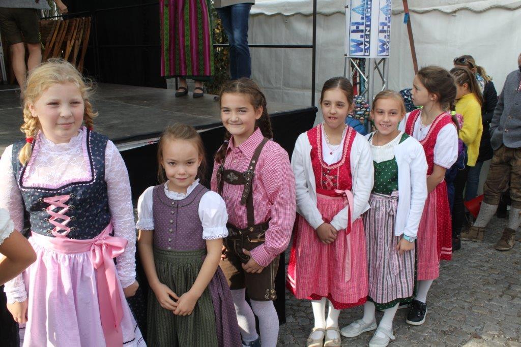 Trachtenmodenschau-2019-c-ARGE-Erdäpfelfest-Geras-27