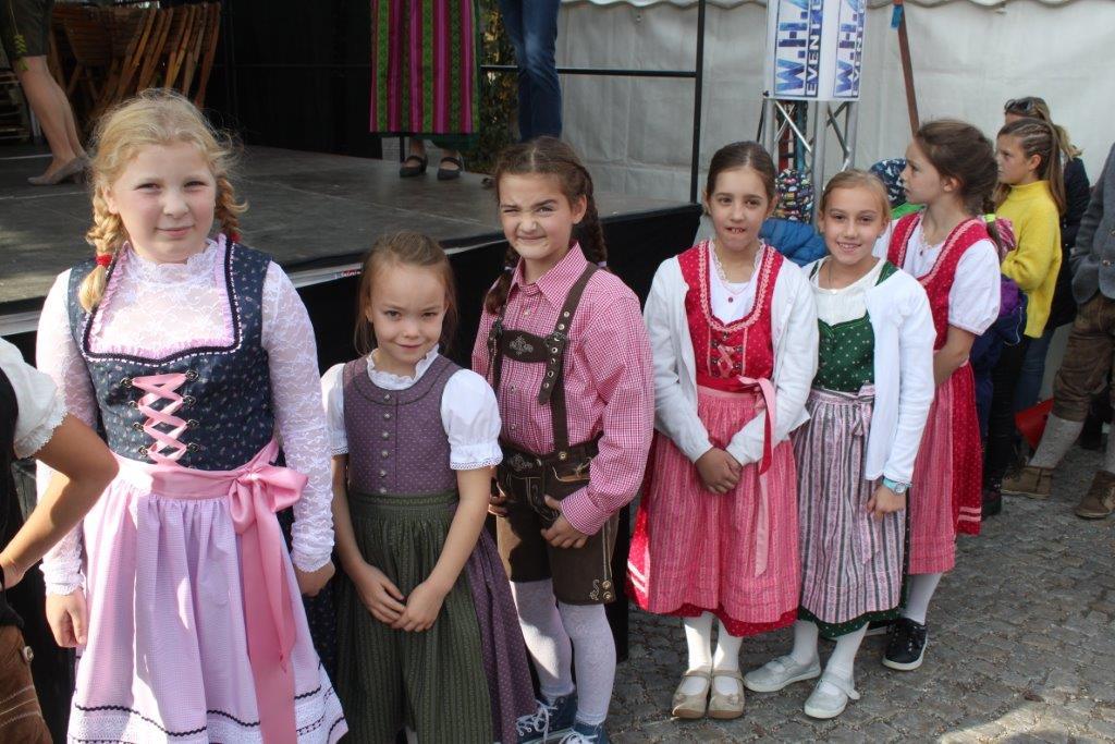 Trachtenmodenschau-2019-c-ARGE-Erdäpfelfest-Geras-28