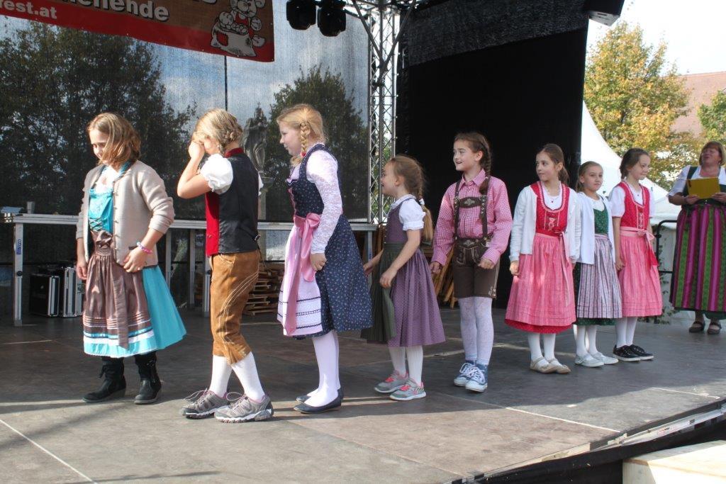 Trachtenmodenschau-2019-c-ARGE-Erdäpfelfest-Geras-31