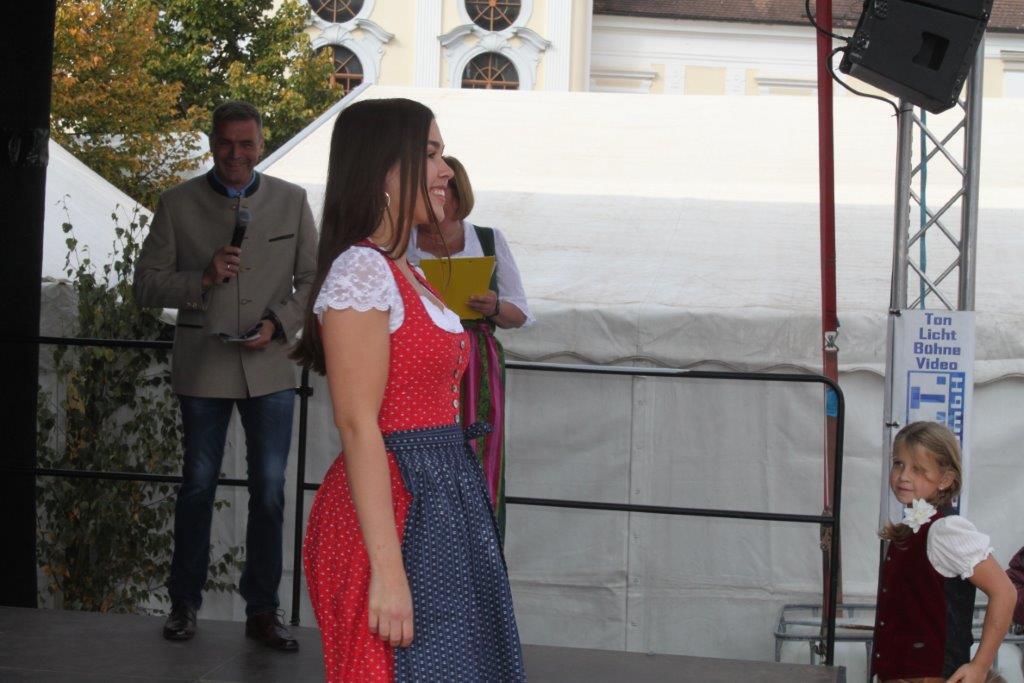 Trachtenmodenschau-2019-c-ARGE-Erdäpfelfest-Geras-47