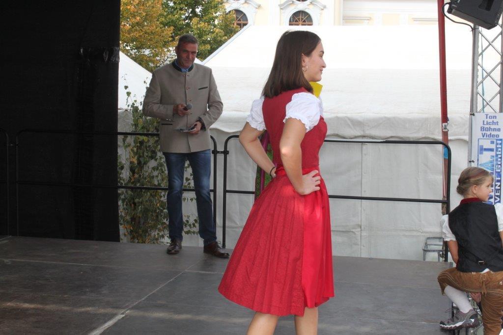 Trachtenmodenschau-2019-c-ARGE-Erdäpfelfest-Geras-48