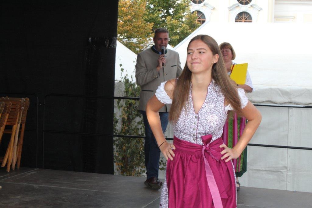 Trachtenmodenschau-2019-c-ARGE-Erdäpfelfest-Geras-50