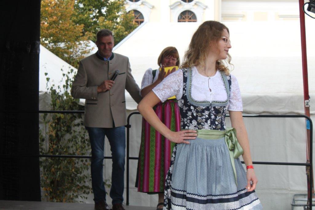 Trachtenmodenschau-2019-c-ARGE-Erdäpfelfest-Geras-51