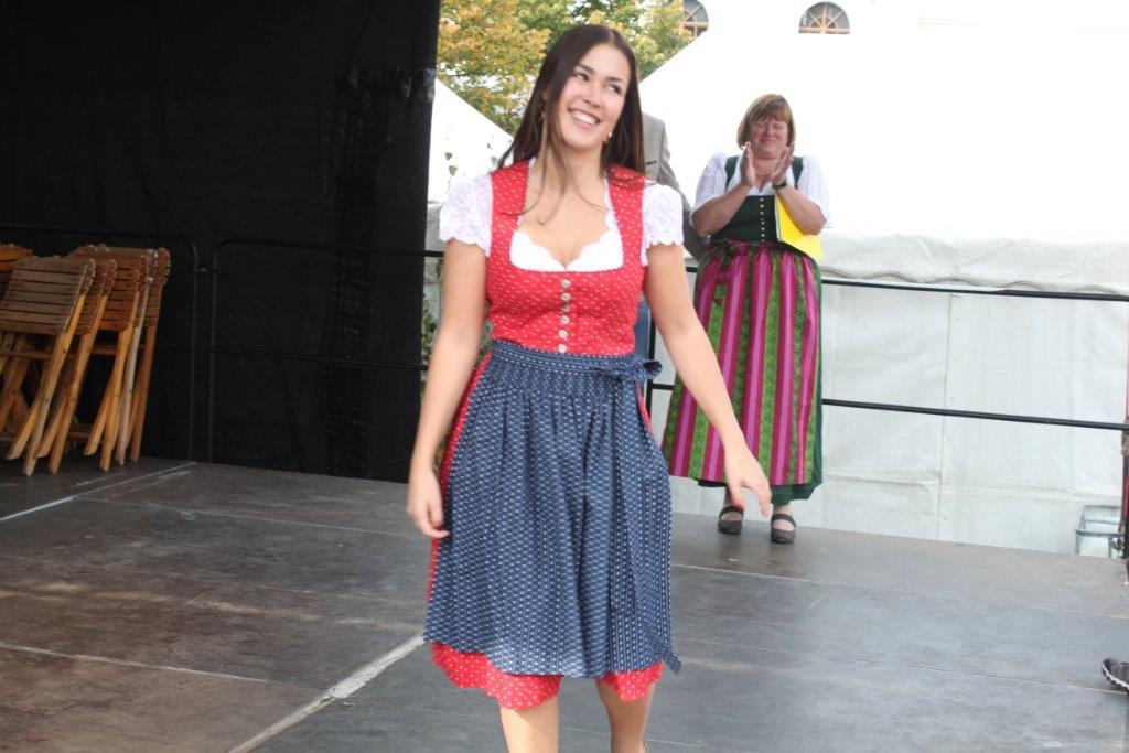 Trachtenmodenschau-2019-c-ARGE-Erdäpfelfest-Geras-52