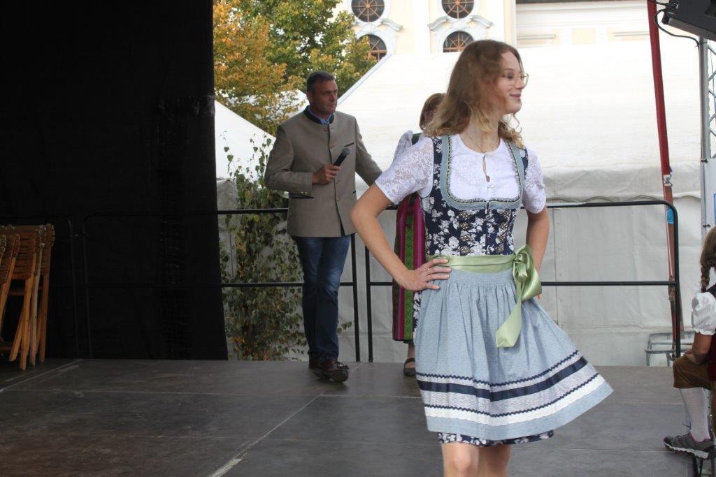 Trachtenmodenschau-2019-c-ARGE-Erdäpfelfest-Geras-55