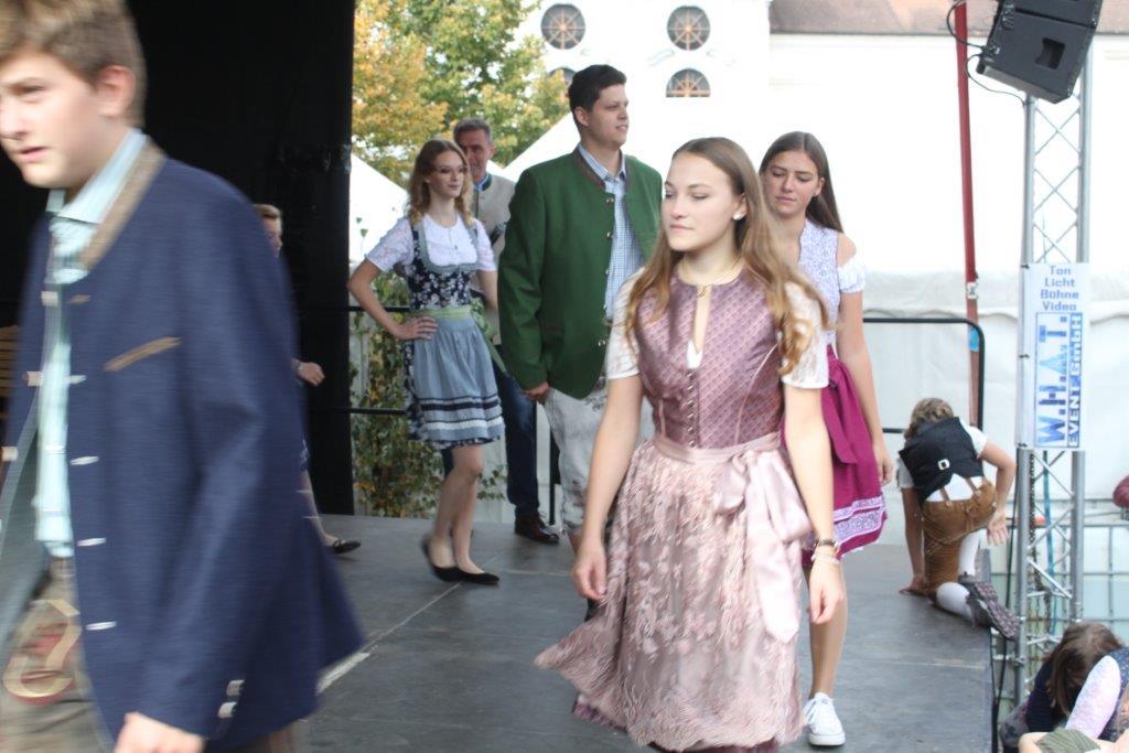 Trachtenmodenschau-2019-c-ARGE-Erdäpfelfest-Geras-60
