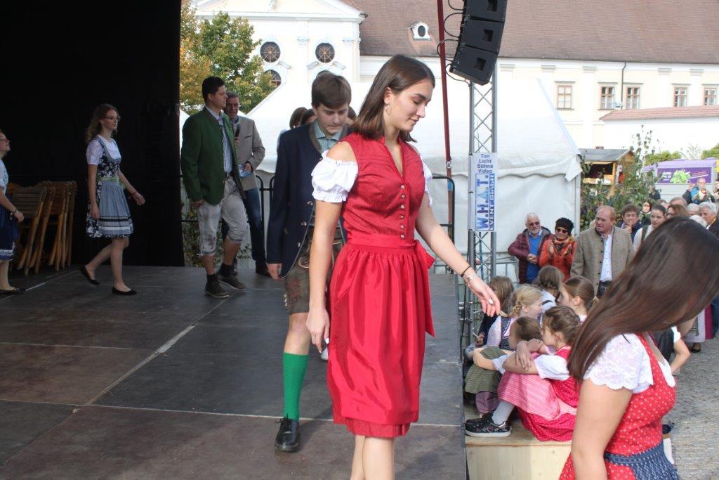 Trachtenmodenschau-2019-c-ARGE-Erdäpfelfest-Geras-62
