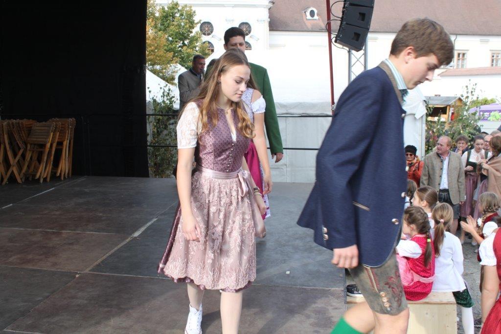 Trachtenmodenschau-2019-c-ARGE-Erdäpfelfest-Geras-63