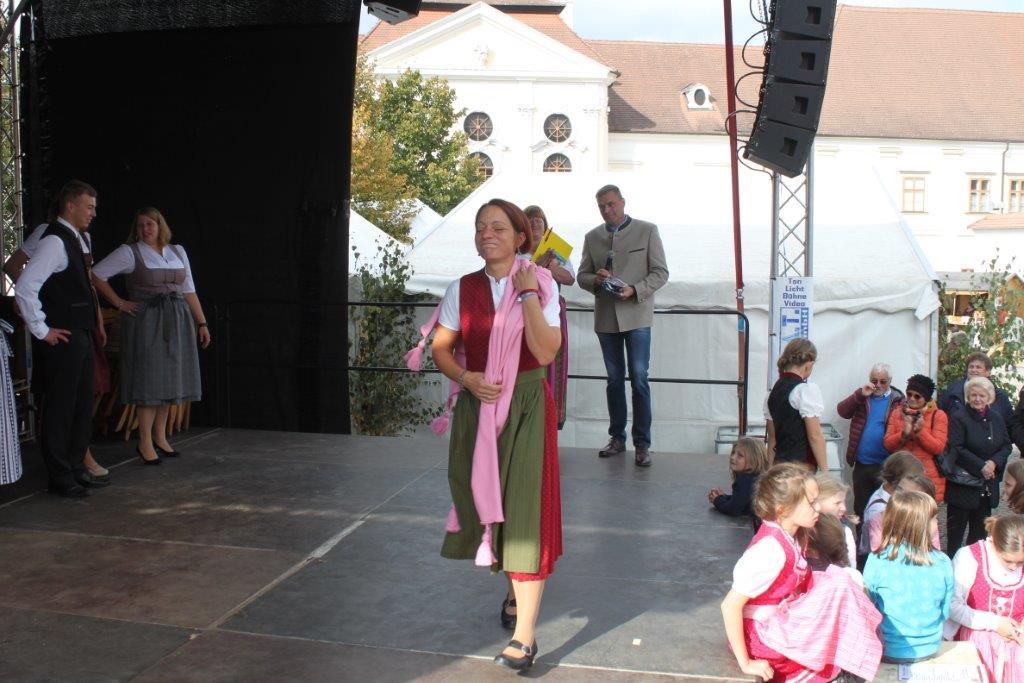 Trachtenmodenschau-2019-c-ARGE-Erdäpfelfest-Geras-73