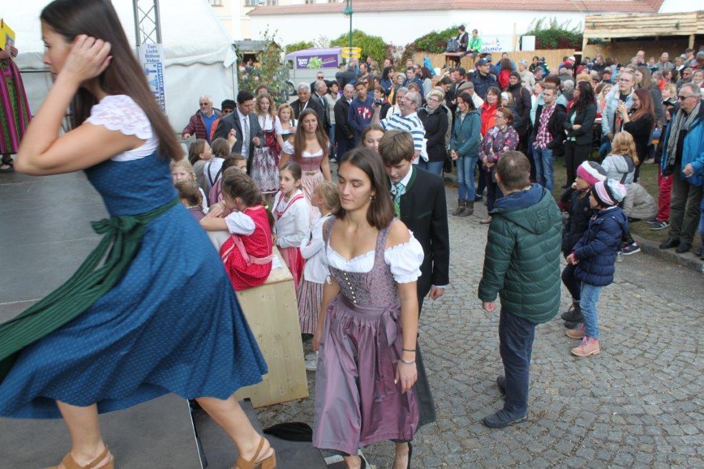 Trachtenmodenschau-2019-c-ARGE-Erdäpfelfest-Geras-77