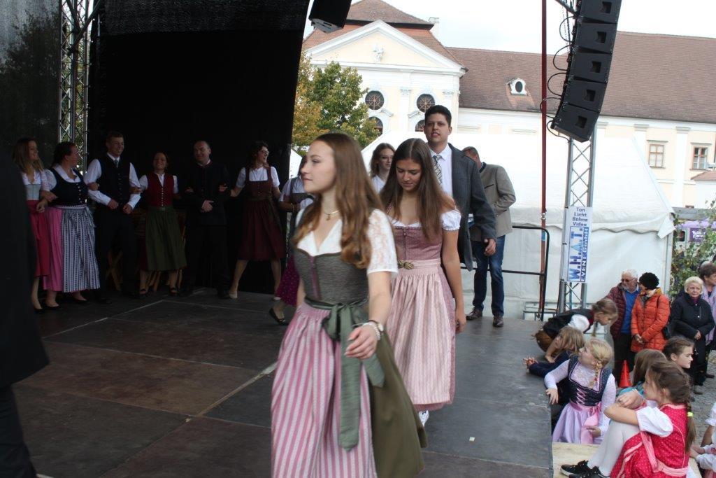 Trachtenmodenschau-2019-c-ARGE-Erdäpfelfest-Geras-82