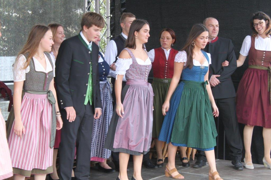 Trachtenmodenschau-2019-c-ARGE-Erdäpfelfest-Geras-86