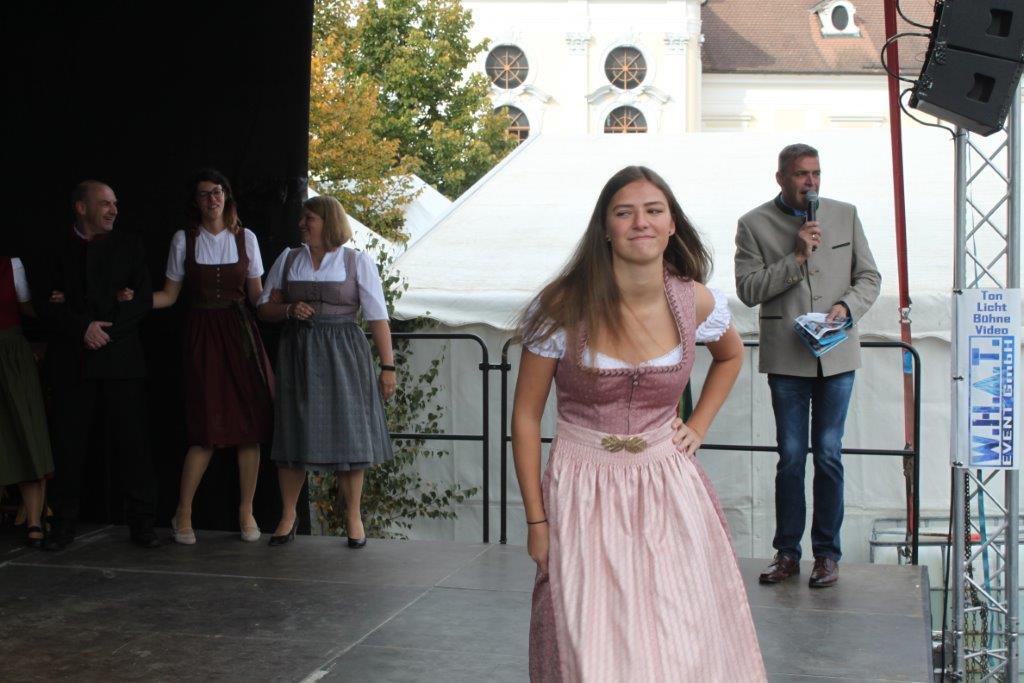 Trachtenmodenschau-2019-c-ARGE-Erdäpfelfest-Geras-90