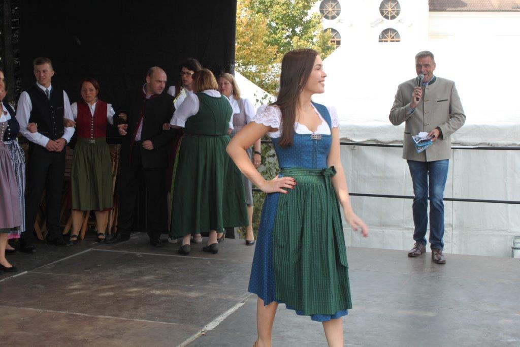 Trachtenmodenschau-2019-c-ARGE-Erdäpfelfest-Geras-92