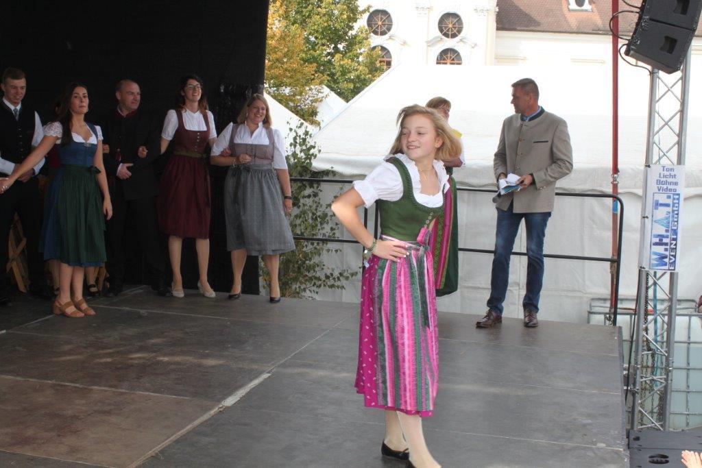 Trachtenmodenschau-2019-c-ARGE-Erdäpfelfest-Geras-96