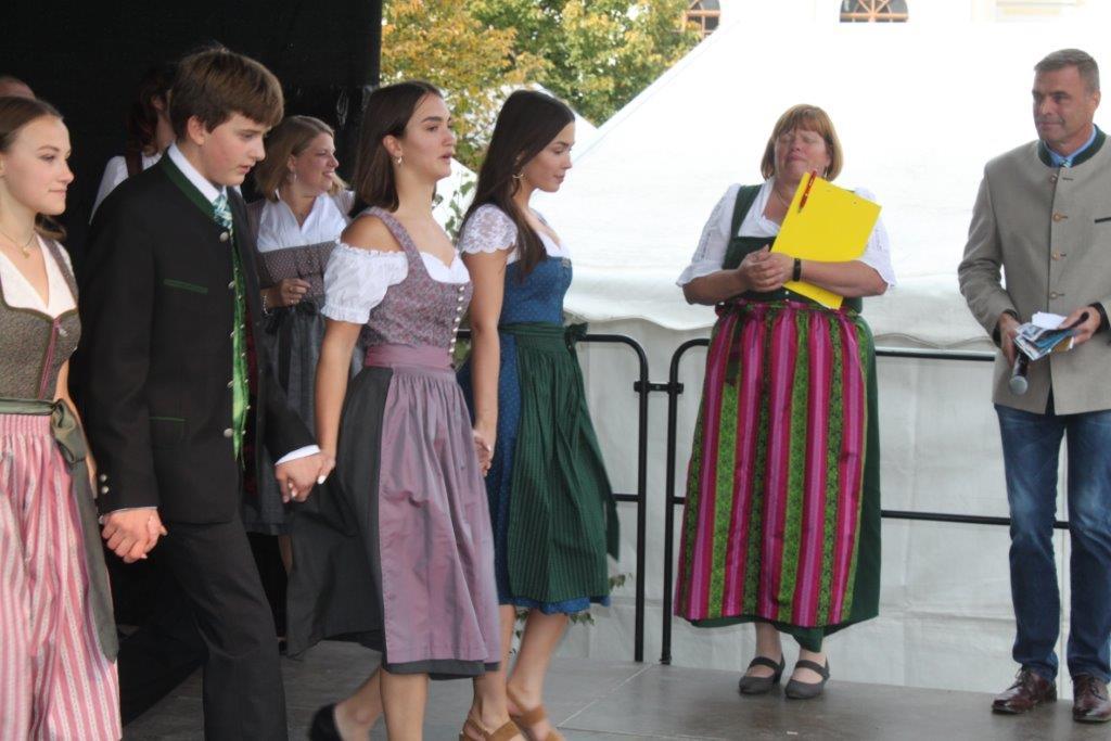 Trachtenmodenschau-2019-c-ARGE-Erdäpfelfest-Geras-97