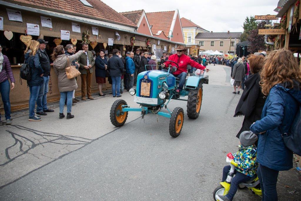 Oldtimerumzug-2019-c-ARGE-Erdäpfelfest-Geras-21