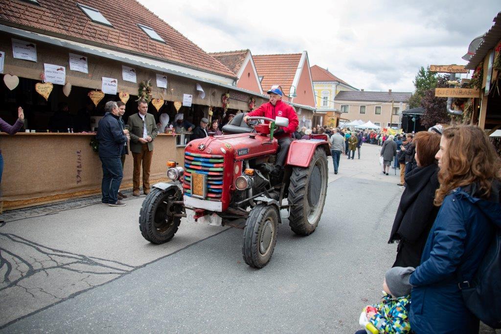 Oldtimerumzug-2019-c-ARGE-Erdäpfelfest-Geras-22