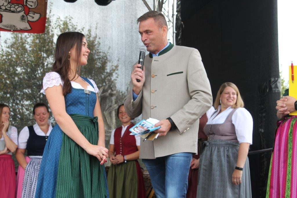 Trachtenmodenschau-2019-c-ARGE-Erdäpfelfest-Geras-105