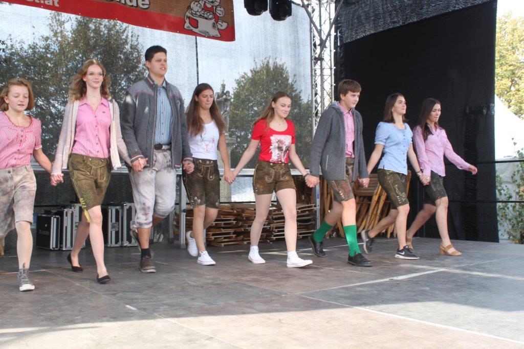 Trachtenmodenschau-2019-c-ARGE-Erdäpfelfest-Geras-16