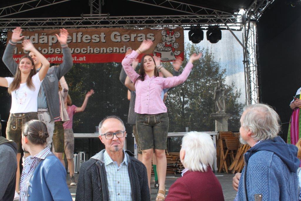 Trachtenmodenschau-2019-c-ARGE-Erdäpfelfest-Geras-18