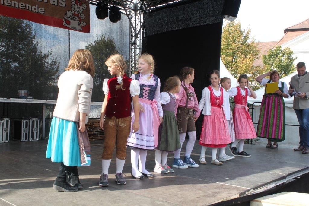 Trachtenmodenschau-2019-c-ARGE-Erdäpfelfest-Geras-30