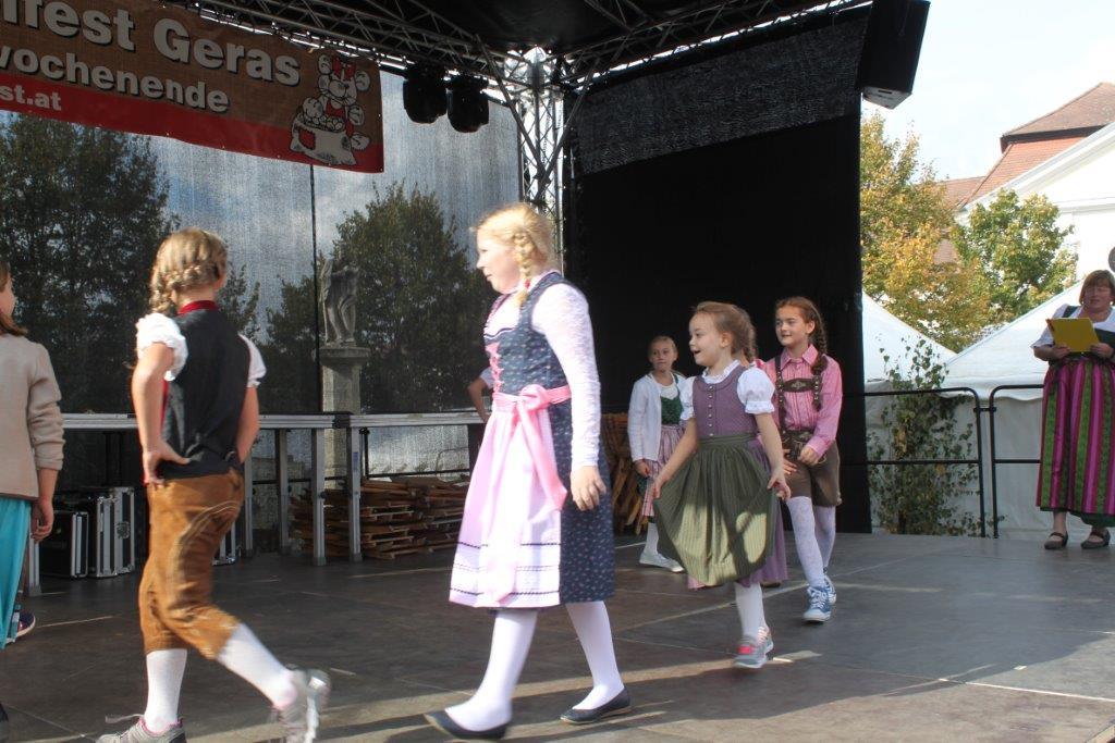 Trachtenmodenschau-2019-c-ARGE-Erdäpfelfest-Geras-33