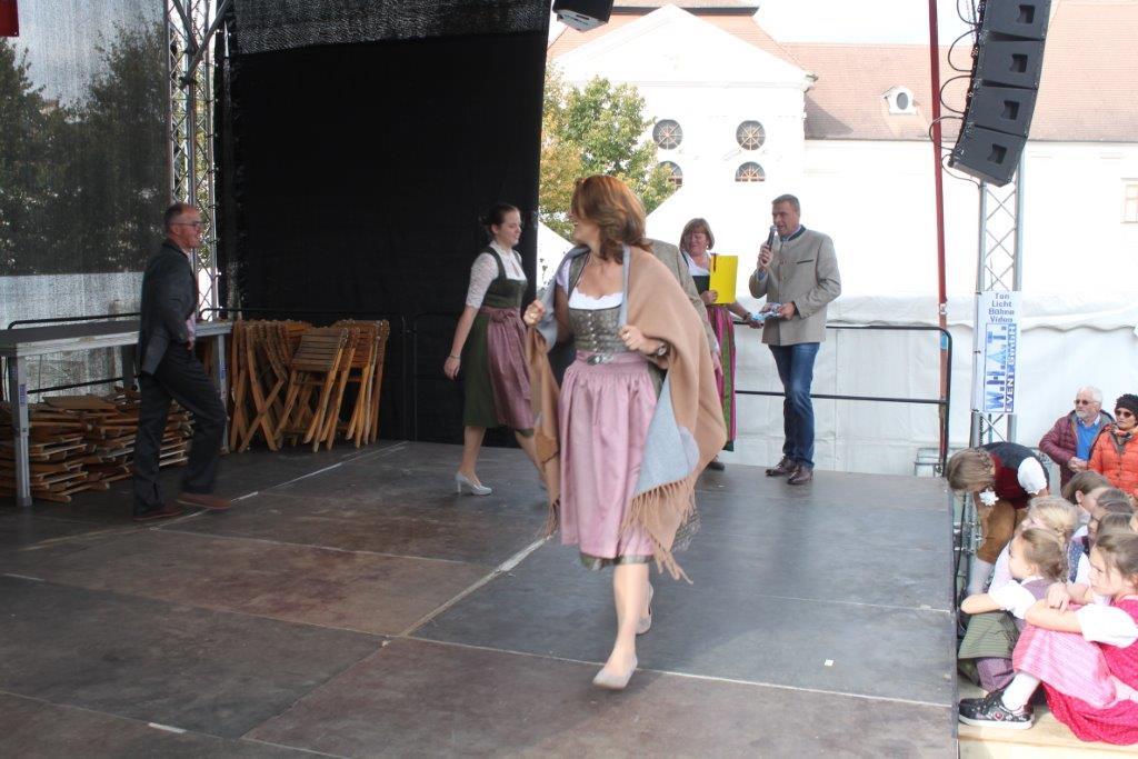 Trachtenmodenschau-2019-c-ARGE-Erdäpfelfest-Geras-65