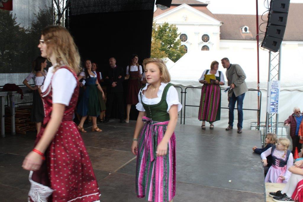 Trachtenmodenschau-2019-c-ARGE-Erdäpfelfest-Geras-83