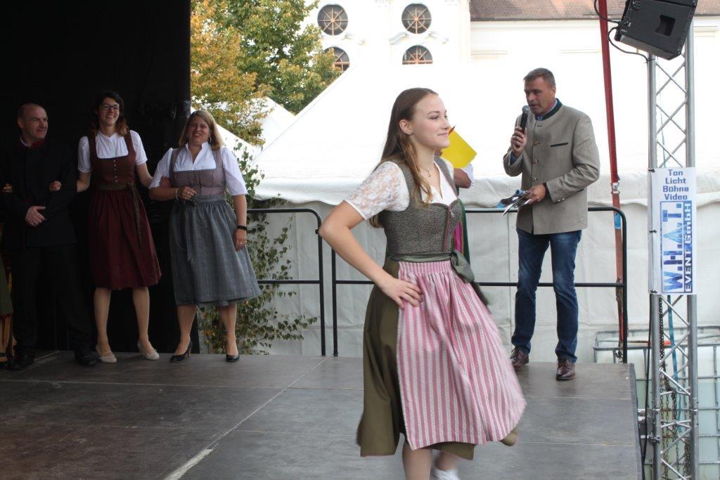 Trachtenmodenschau-2019-c-ARGE-Erdäpfelfest-Geras-89