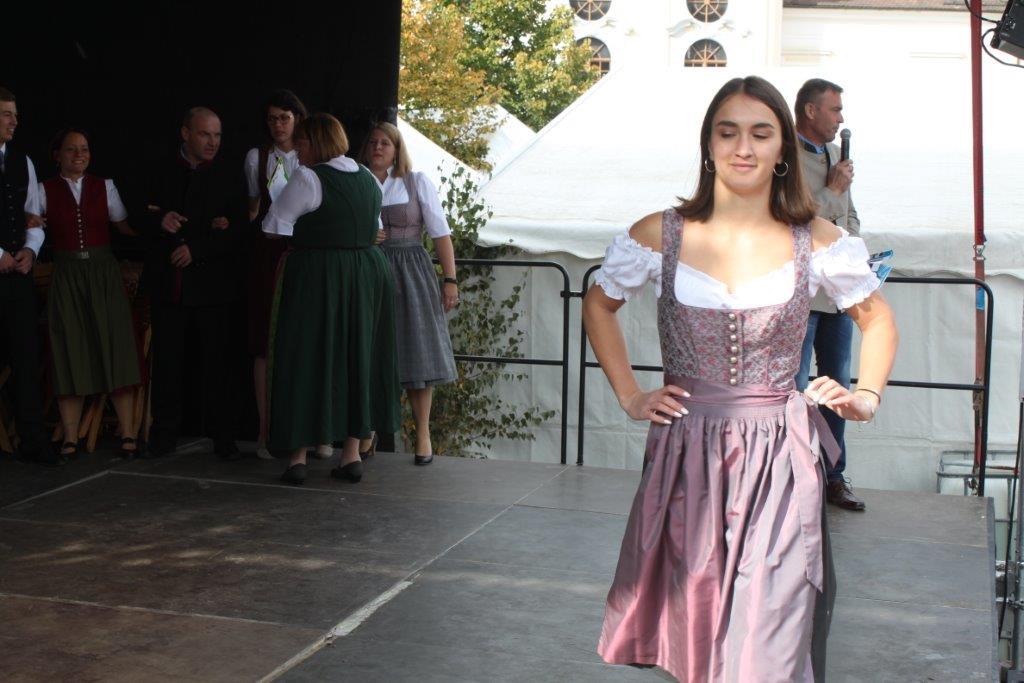 Trachtenmodenschau-2019-c-ARGE-Erdäpfelfest-Geras-93